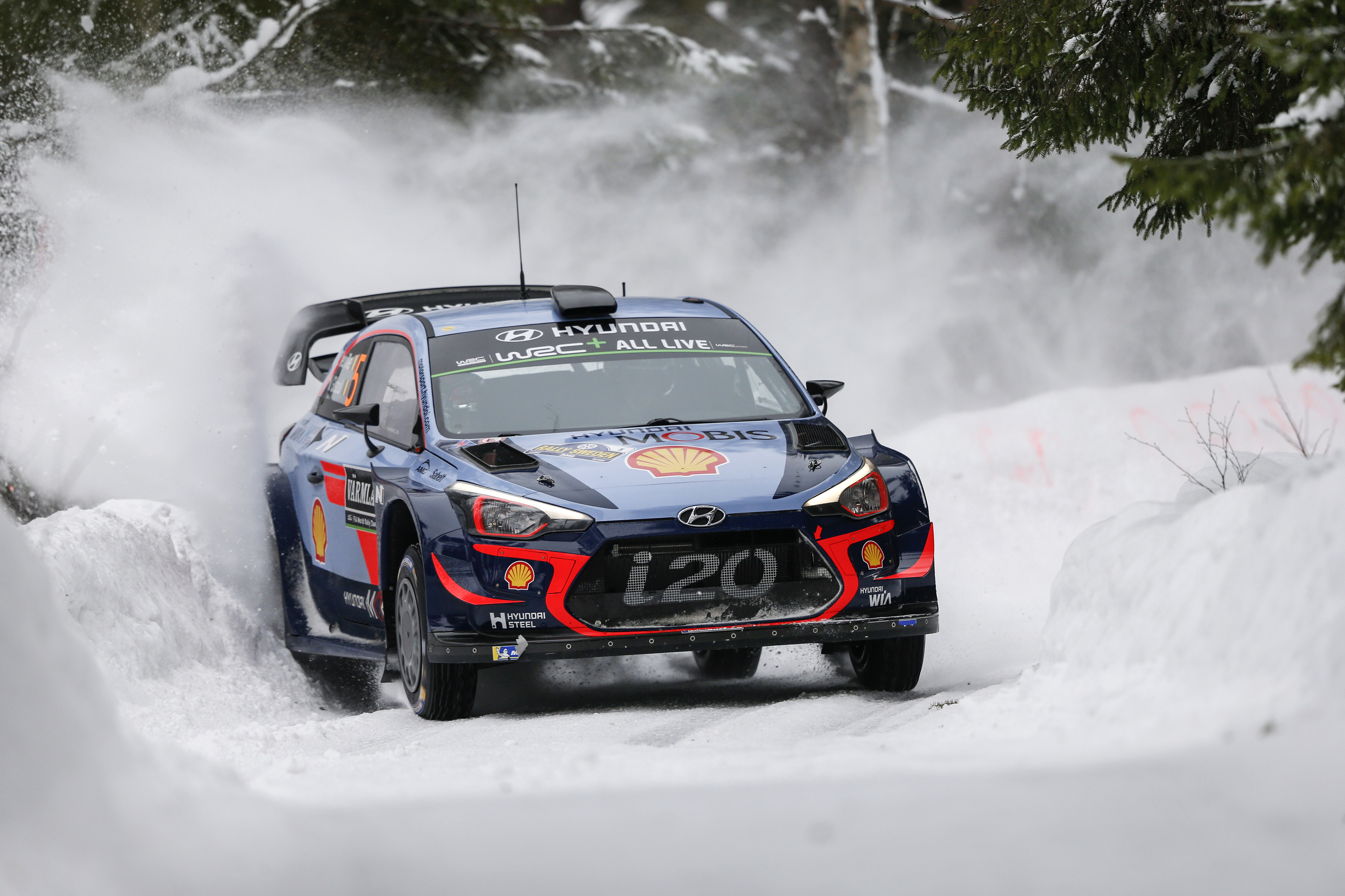 Neuville wins Rally Sweden