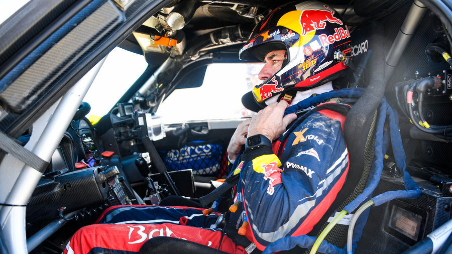 "Sainz: Dakar was ""flat out from the beginning"""